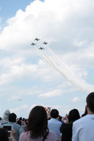 News&Topics『ブルーインパルス感動の飛行!三沢基地航空祭】