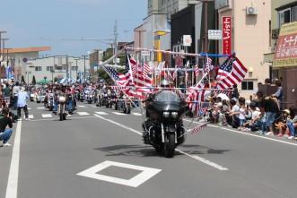 三沢市街パシャ写真『ハーレーパレード】