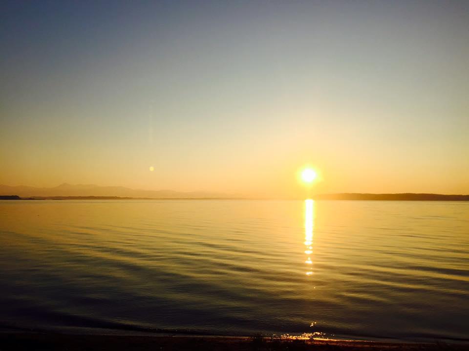 三沢市街パシャ写真『小川原湖の夕陽】